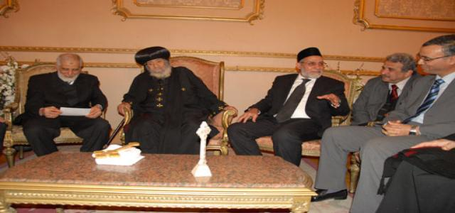 Brotherhood Leader Visits Pope Shenouda; Wishes Him Good Health