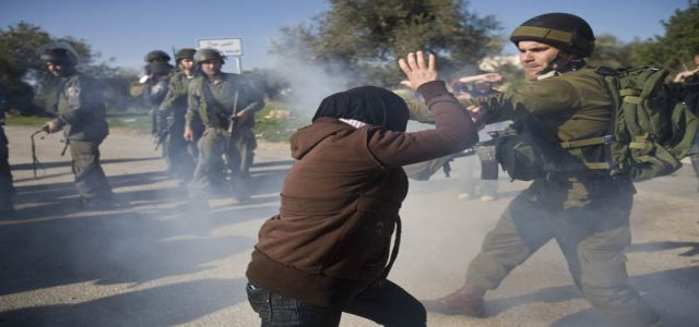 British activist wounded in IOF quelling of weekly non-violent demonstrations