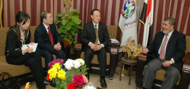 Morsi Receives Chinese Delegation