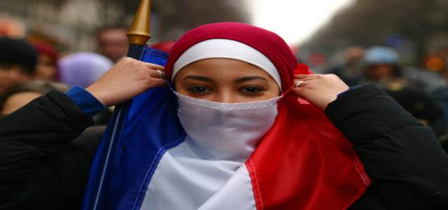 Islamic Organizations in France Demand the French Review the Niqab Ban Law