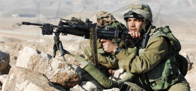 IOF soldiers wound Palestinian teen worker, round up 3 brothers