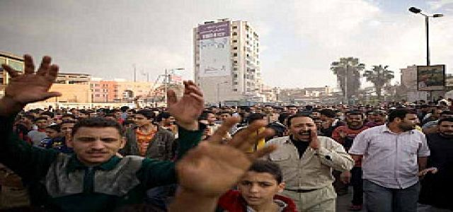 Wave of Labor Unrest Grips Egypt at Crucial Juncture