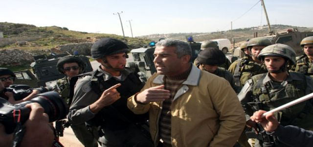 IOF soldiers detain writer, quell peaceful marches