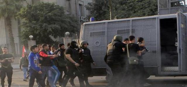 Hundreds of Coup Security Armored Vehicles Storm, Besiege President Morsi Village