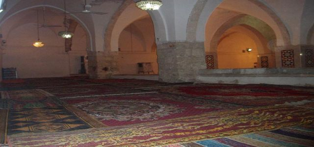 Sources: Israel steadily changes the Ibrahimi Mosque